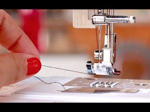 Comment passer le fil dans une machine à coudre?
